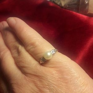 14K White Gold 8 Point Diamond and Pearl Ring